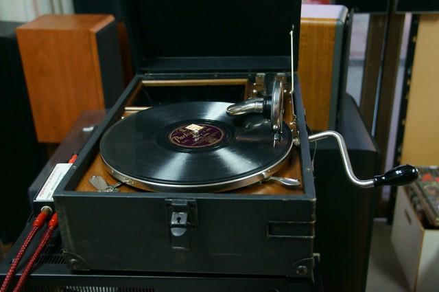 HMV+gramaphone+%282%29